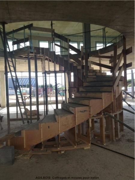 coffrage-pour-escalier-beton